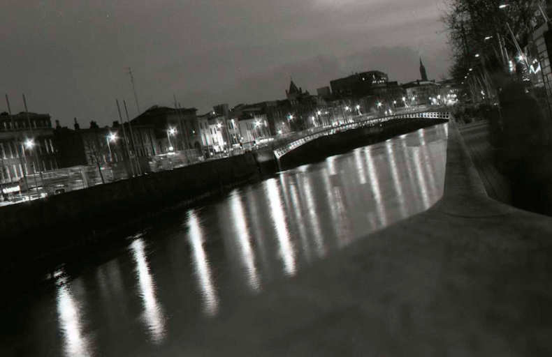 Ha'penny Bridge by night